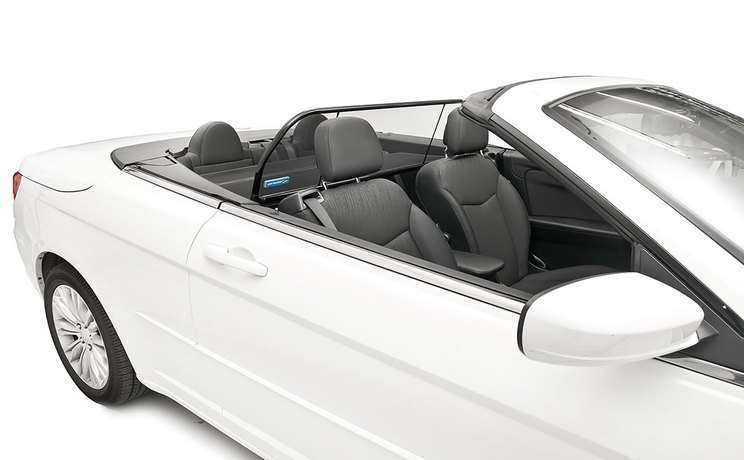 Chrysler 200 windscreen 1