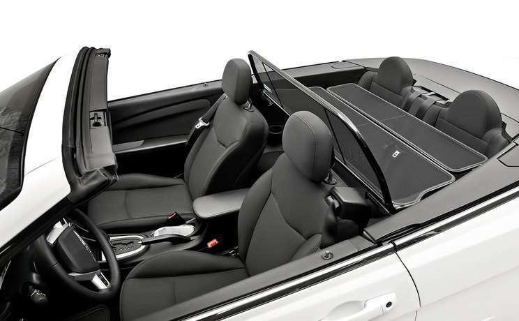 Chrysler 200 windscreen 3