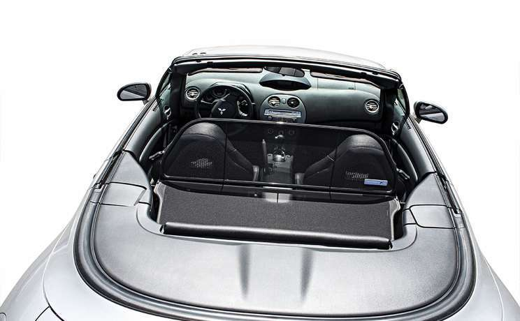 Spyder wind deflector fits in trunk 2006 to 2012