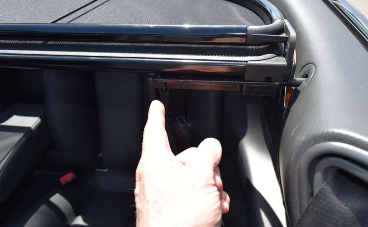 Mercedes clk wind deflector handle facing down designed love the drive